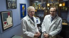 Prueban fármaco contra alcoholismo en bar ficticio