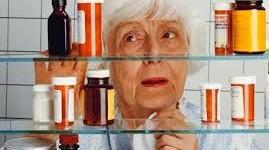 Polifarmacia en personas mayores: cuando los medicamentos se convierten en un peligro