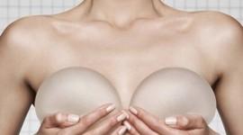 Una revisión advierte de los riesgos del linfoma asociado a implante mamario