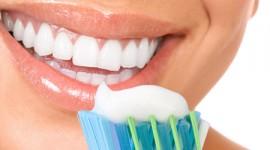 Los dentífricos solos no previenen la erosión ni protegen el esmalte dental