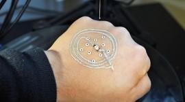 La impresión de componentes electrónicos sobre la piel, nuevo aliado de la Medicina