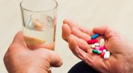 Analgésicos opiáceos tienen hasta 3 veces más efectos secundarios en las personas con demencia