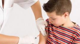 Meningitis: el Ministerio de Salud de la Nación reconoció que se suspende la vacunación a chicos de 11 años