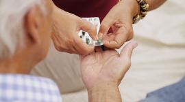 Servicios farmacéuticos: La revisión de la medicación en demencia reduce un 28% el consumo de fármacos