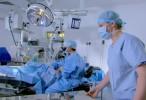 El patógeno 'C. difficile' resiste el desinfectante y se mantiene en las batas y el quirófano