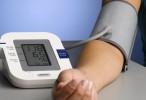 Controlar mejor la presión arterial puede extender la vida hasta casi tres años