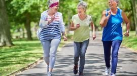 Investigación: Los hábitos saludables extienden la vida libre de enfermedades 'hasta por una década'